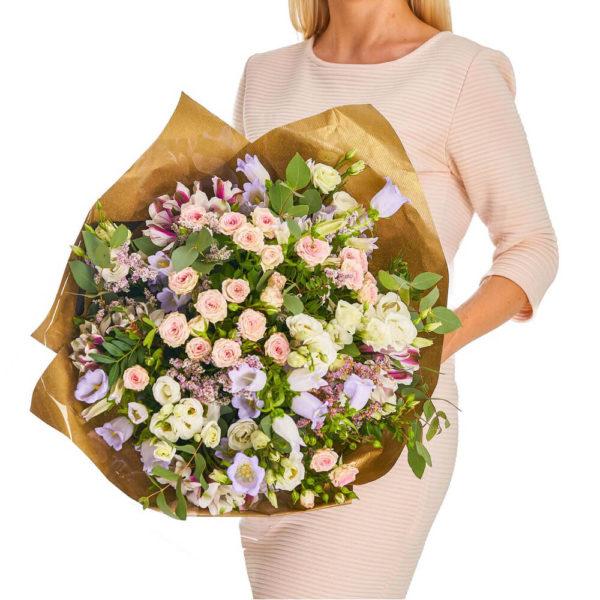 Lilled õrnale naisele